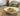 gravlax de saumon pomme de terre dans assiette sur table